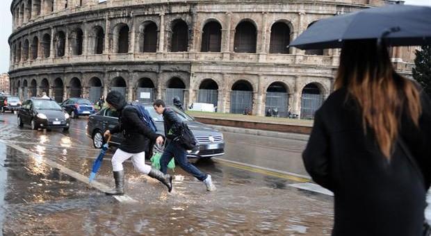 Roma, nubifragi in arrivo nella notte e per tutta la giornata di domani, allerta anche nel resto del Lazio