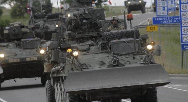 Militari italiani al confine russo. L'ira di Mosca: «Politica distruttiva»