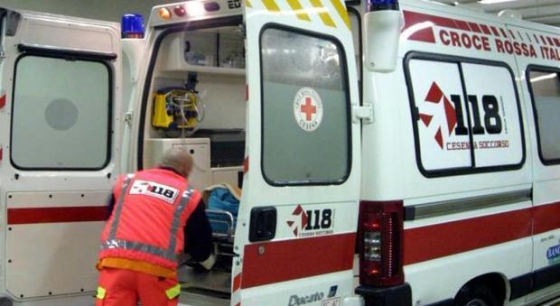 Giallo a Milano, anziana trovata morta accanto alla figlia in stato confusionale