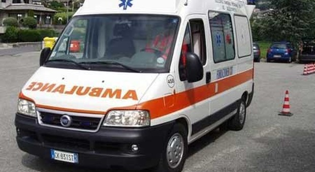 Roma, moto sbanda e si schianta contro il guardrail: muore 48enne
