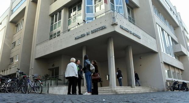 Addetta agli anziani rifiuta il vaccino: sospesa. Il tribunale respinge il ricorso: misura «adeguata e proporzionata»