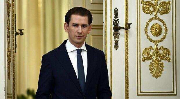 Austria, Kurz si dimette per lo scandalo-sondaggi: «Ma non lascio la politica»