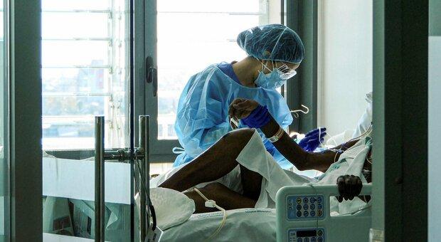 Covid, quanto dura l'infezione: per i pazienti più gravi anche 20 giorni