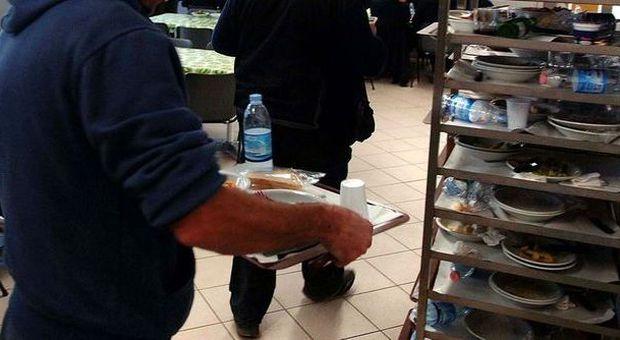 Difesa, quei rotoloni di carta a 17 euro l'uno
