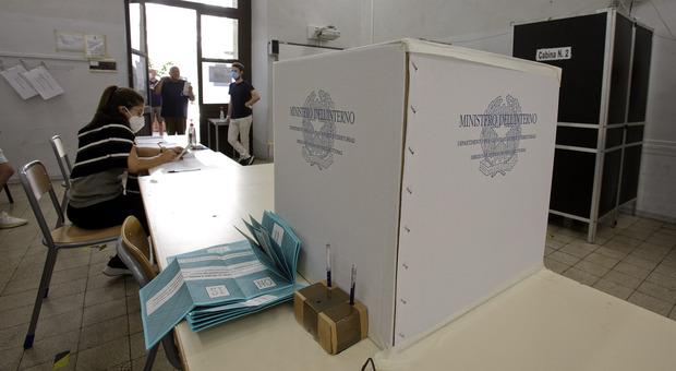 Elezioni regionali, il voto utile aiuta la sinistra così è tornato il bipolarismo