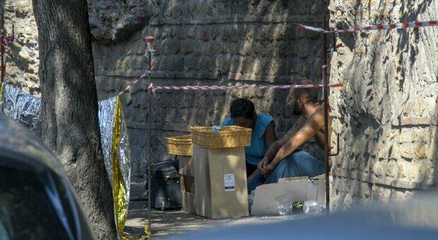 Campi abusivi e favelas in pieno centro, nella baraccopoli Capitale sbandati da tutto il mondo