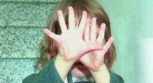 Rimini, bimba di 6 anni violentata in casa da amico di famiglia