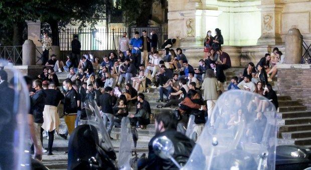 Movida fuori controllo a Trastevere: assembramenti e caos in strada