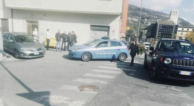 Aosta, donna trovata morta in casa con profonda ferita alla gola. Non si esclude omicidio