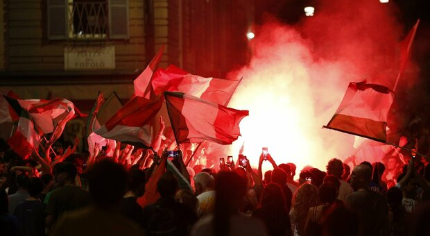 Italia-Spagna, la festa continua sui social: anche i vip elogiano gli azzurri e Mancini