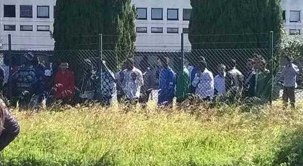 Nuovo Ufficio Castelnuovo Di Porto : Rivolta al cara di castelnuovo di porto centinaia di immigrati