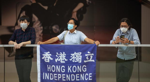 Hong Kong, Gran Bretagna offre passaporto. La Cina pronta a contromisure