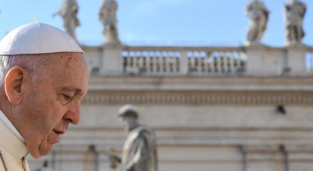 Pedofilia: Cile, Papa 'spreta' 2 vescovi