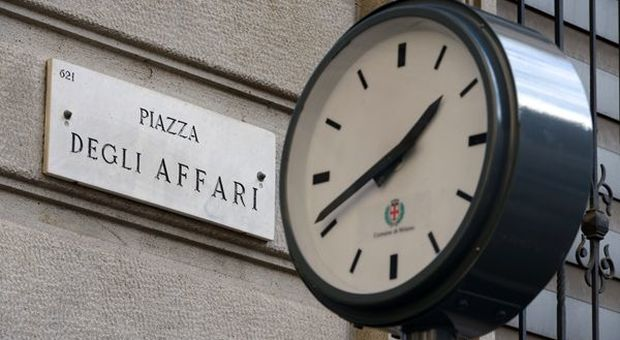 Borse europee giù, Milano in rosso. Lo spread torna sopra quota 270