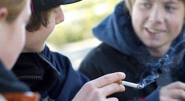Italia prima in Europa per fumatori adolescenti