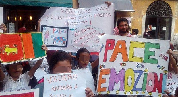 Bimbi extracomunitari esclusi dalla mensa a Lodi. Salvini: «No ai furbetti»