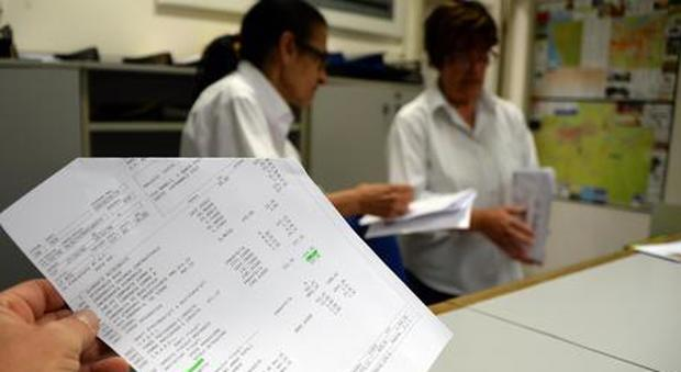 Statali, contratto dirigenti: aumenti lordi da 209 a 426 euro mensili. Arretrati per 5mila euro a testa