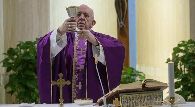 Papa Francesco anticipa la messa di Natale alle 19,30