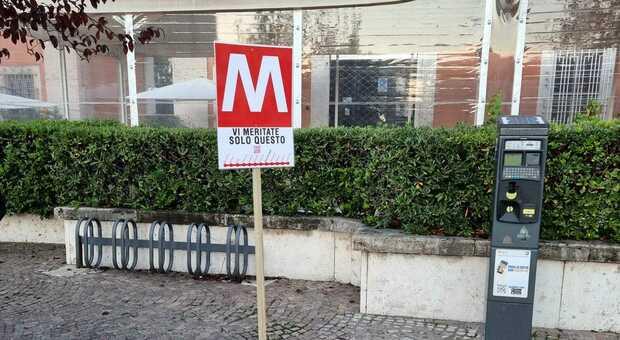 Finte fermate della Metro: l'ironia piomba sul ballottaggio di Latina