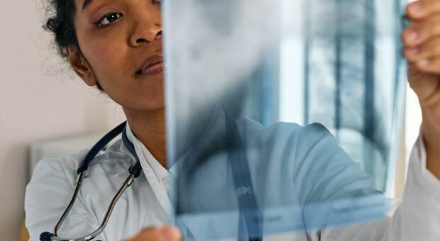 Tumore al seno, la pandemia di Covid rallenta gli interventi di ricostruzione