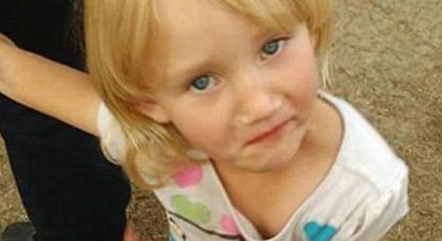 Bimba di 4 anni rapita nel suo letto le immagini choc - Pipi a letto a 4 anni ...