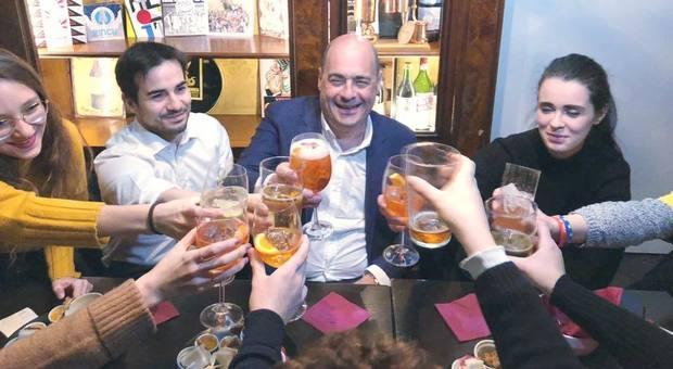 Coronavirus, Zingaretti nel mirino degli haters per una foto al ristorante del 27 febbraio
