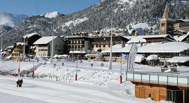 Covid e sci, le Regioni: «Impianti aperti per seconde case e ospiti hotel»