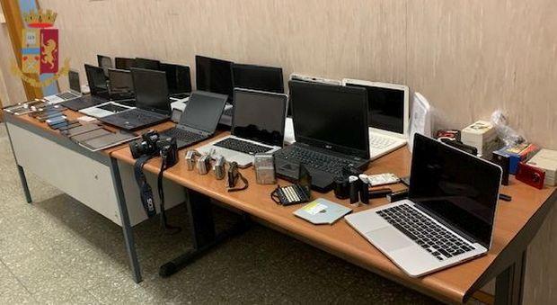 Roma, gestiva un negozio online di cellulari e pc rubati: arrestato 49enne albanese