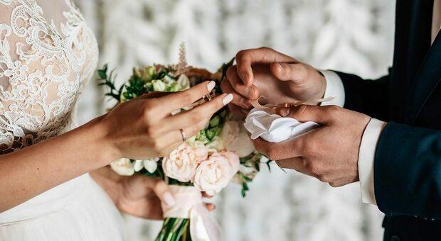 Covid, niente matrimoni e wedding tourism : i numeri crollano del 90%