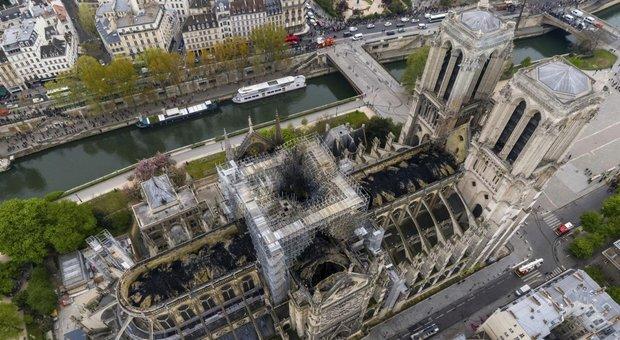 Notre Dame, lite sul nuovo look della cattedrale. Come sarà la guglia?