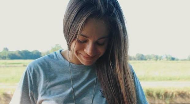 Arianna Varone muore a 21 anni in un incidente sullo scooter: choc nel calcio femminile