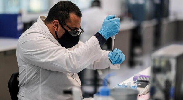Vaccino Covid AstraZeneca: l'agenzia europea del farmaco avvia l'iter di approvazione