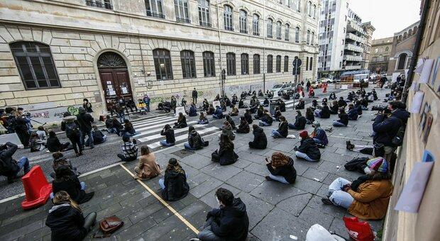 Roma, scuole in rivolta: «No al rientro il 18». Dal Tasso al De Sanctis ira studenti