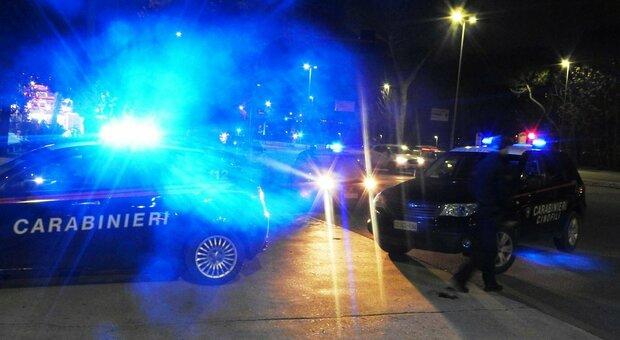 Verona, festa nel B&B in centro, i vicini chiamano i carabinieri: 13 ragazzi multati