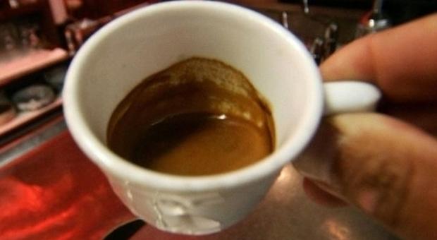 Bere caffè riduce il rischio in 5-6 tumori: dal fegato alla bocca