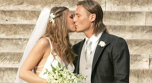 Anniversario Matrimonio Totti.Francesco Totti E Ilary Blasi 13 Anni Fa Il Matrimonio Il