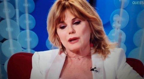 Patrizia Pellegrino in lacrime a Vieni da me. «Mio figlio Riccardo è morto». Caterina Balivo commossa