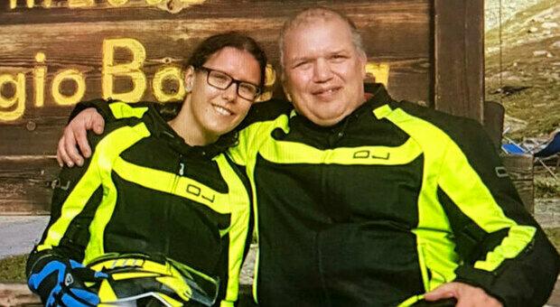 Cremona, incidente con la moto contro un'auto: morti padre e figlia di 55 e 26 anni