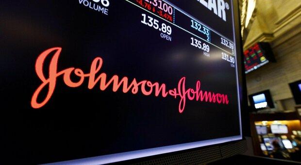 Vaccino, Johnson & Johnson chiede l'autorizzazione negli Usa: una sola dose e conservazione più semplice