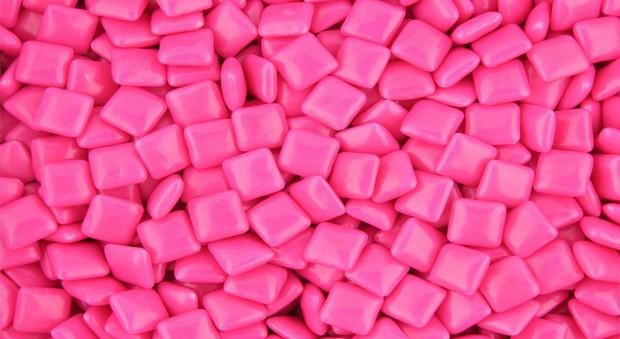 Ruba 144 pacchetti di chewing-gum: condannato a cinque mesi di carcere