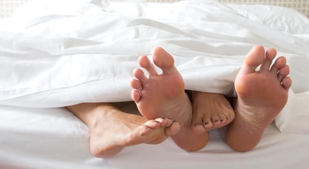 Coronavirus, i rapporti sessuali sono sconsigliati? Ecco la risposta dei medici