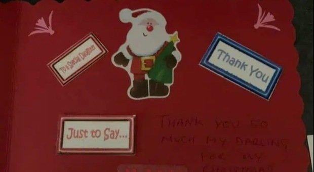 Scrivono una letterina al papà in Paradiso: la risposta di Babbo Natale alle due bimbe è commovente