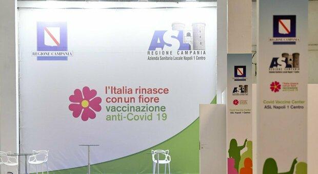 Vaccino, Pfizer ai fragili e AstraZeneca ai giovani: per i sieri niente libertà di scelta