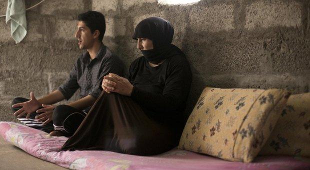 Siria e Iraq: scoperte 72 fosse comuni dell'Isis, fino a 15mila morti