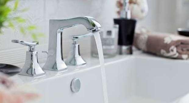 Vasca Da Bagno Stile Francese : Le idee giuste per armonizzare la rubinetteria con lo stile del bagno