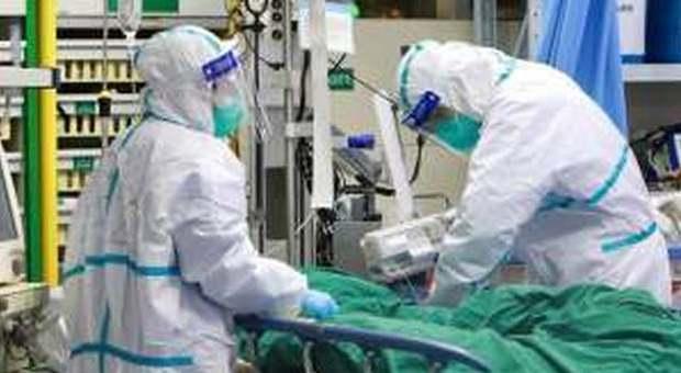 Coronavirus, il paziente 1 pugliese torna a casa: «Sta bene». Fuori pericolo anche chi era nell'aereo con lui