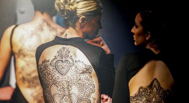 Tatuaggi, body art e cinema: lo show sulla pelle di Marco Manzo