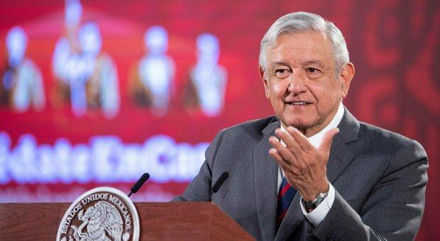 Virus, boom di casi in Messico ma il presidente Obrador: «La mascherina non serve, basta il distanziamento»
