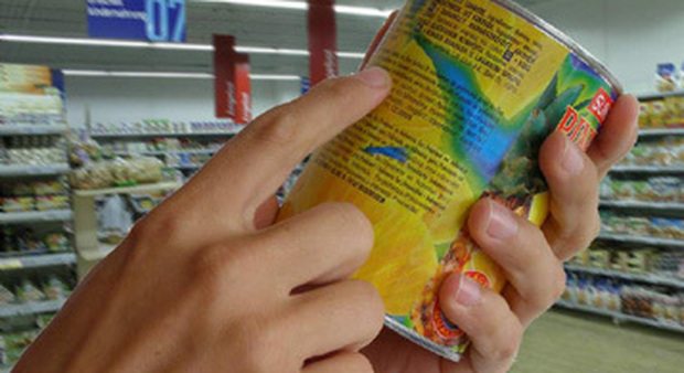 Etichetta obbligatoria per gli alimenti: vanno sempre indicate sede di produzione e di confezionamento