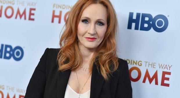 Jk Rowling rompe il silenzio e torna torna a rispondere alle accuse di transfobia